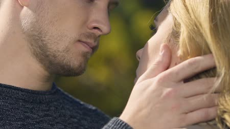 luto : Frustrated man embracing woman, dealing with grief together, sincere sympathy. Stock Footage