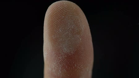 impressão digital : Macro of fingerprint leaning on control glass for biometric scan, technologies