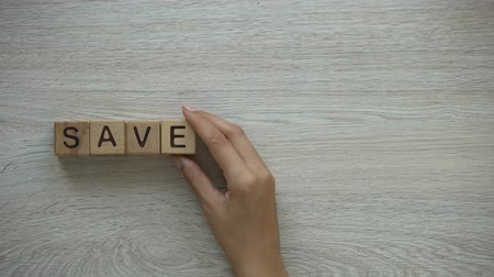 salva vidas : Save dream, woman making phrase of cubes, set goals and be free to achieve them Vídeos