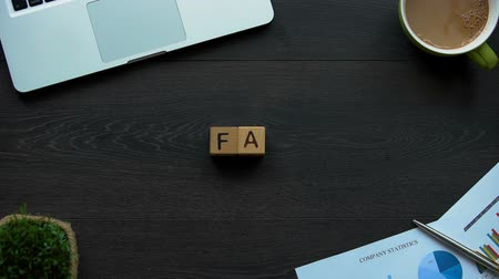 peça : FAQ abbreviation made of cubes, frequently asked questions, online forum
