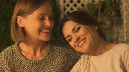 compreensão : Women hugging and smiling, strong female friendship, reliable relationships Stock Footage