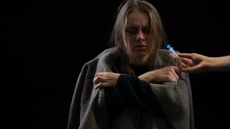 cocaína : Addict lady rejecting syringe with dose suffering withdrawal symptoms willpower Archivo de Video