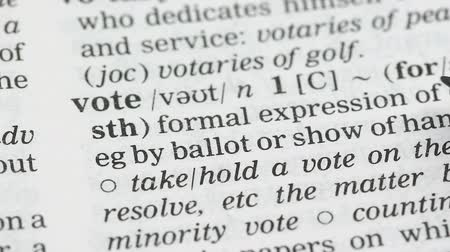 anlamı : Vote, word definition on english vocabulary page, presidential election, freedom Stok Video