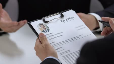 candidato : Employer marking name of job applicant, hiring personnel, candidate approval Vídeos