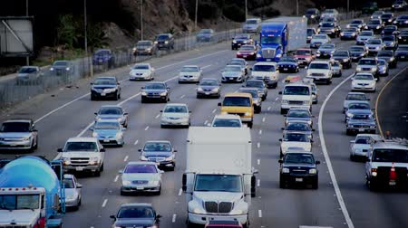 motorkerékpár : Busy 101 Freeway in Los Angeles Stock mozgókép