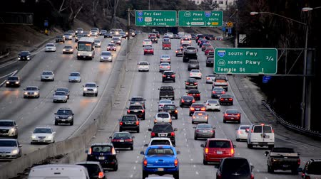 camionagem : Busy Freeway in Los Angeles
