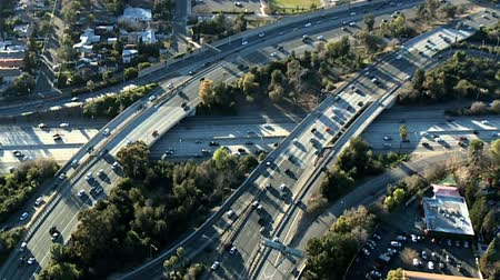 arrabaldes : Aerial footage of Los Angeles freeways and suburbs.