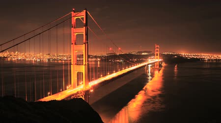 snelwegen : Time-lapse van de Golden Gate Bridge in San Francisco op Night