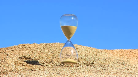 hó : Time Lapse of an Hour Glass