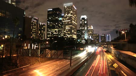tráfego : Time Lapse of LA Downtown Buildings & Freeway Los Angeles Vídeos