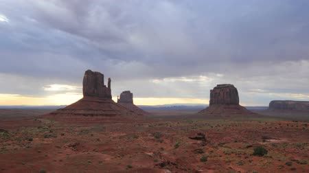 indios nativos : Lapso de Monument Valley Tiempo Archivo de Video