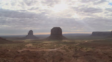 vallási : Monument Valley Sun Shadows Time Lapse Stock mozgókép