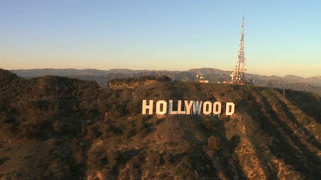 jel : Aerial View of the Hollywood Sign - Los Angeles Stock mozgókép