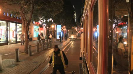 kabel : Time Lapse of Cable Car San Francisco at Night Wideo