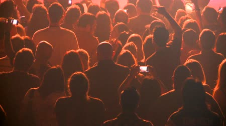 koncert : Time Lapse of Crowd at Rock Concert