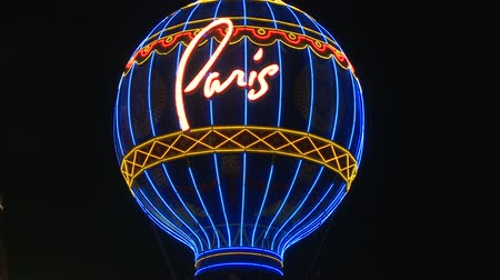 izzók : Paris Neon Sign in Las Vegas