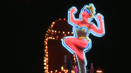 izzók : Neon Lady Boot Sign in Las Vegas