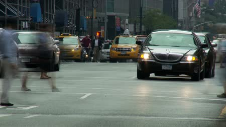 osoba : Time Lapse of Traffic in New York City Wideo