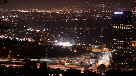 vallei : Overzicht van de San Fernando Valley at Night Stockvideo