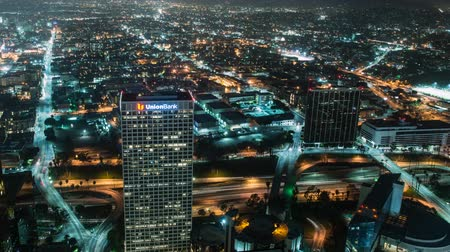 вниз : Looking down on Los Angeles Стоковые видеозаписи