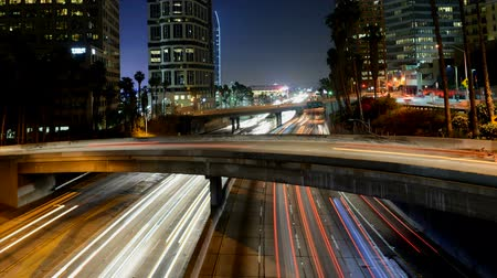 snelwegen : Drukke Harbor Freeway in bij Nacht - Downtown Los Angeles