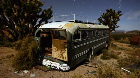hippie : Abandon Bus in the Mojave Desert Stock Footage