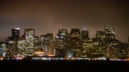 raster : Time Lapse Uitzicht op de Foggy San Francisco Skyline at Night