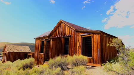 batı : Time Lapse of Bodie California - Abandon Mining Ghost Town - Daytime - 4K Stok Video
