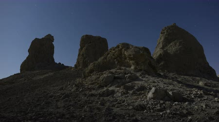 blm : Time Lapse of Trona Pinnacles at Night-  4K - 4096x2304
