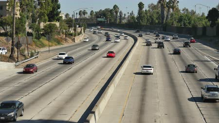 havai : Time Lapse  - Overhead View of Traffic on Busy 101 Freeway in Downtown Los Angeles California