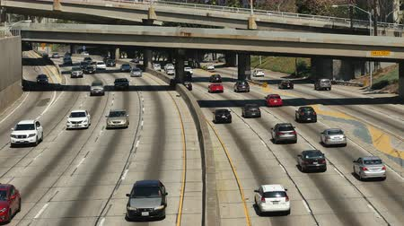 havai : Time Lapse  - Overhead View of Traffic on Busy 10 Freeway in Downtown Los Angeles California