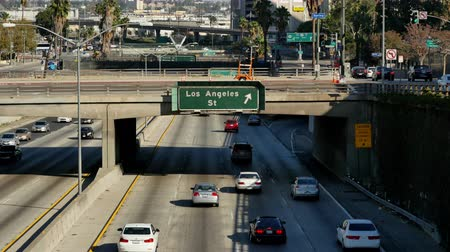 motorkerékpár : Time Lapse  - Overhead View of Traffic on Busy 101 Freeway in Downtown Los Angeles California