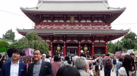 sagrado : Time Lapse of People at Main Entrance of Sensoji Temple  -  Tokyo Japan
