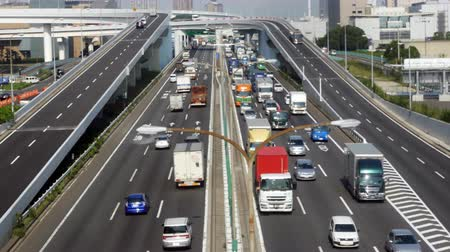 дорожный знак : Time Lapse of Heavy Truck Traffic on Japanese Highway -   Tokyo Japan