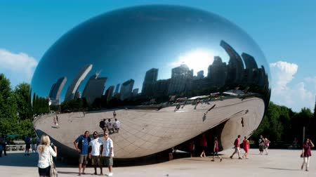 specchio : Chicago Opera - The Bean - 4K Filmati Stock