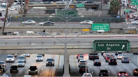 marmeláda : Overhead View of Traffic on Busy Freeway in Downtown Los Angeles California