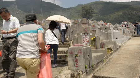 temető : Time Lapse of Crowded Hong Kong Cemetery with Chinese Inscribed Headstones