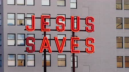 İncil : Rooftop Neon Jesus Saves Sign - Los Angeles