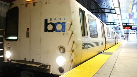 площадь : Time Lapse of BART Train Station in San Francisco