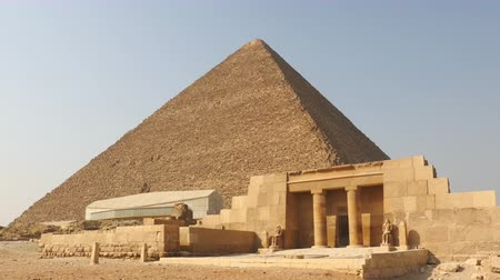 egyiptom : Zoom Out - The Great Pyramids of Giza  Pharaohs House - Egypt