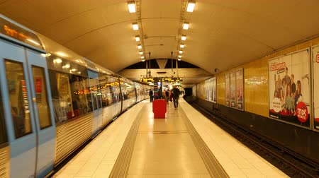 Time Lapse Zoom de la station de métro Entrance of Busy - Stockholm Suède