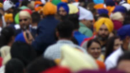 xale : Crowd out of focus sikh ceremony Vídeos
