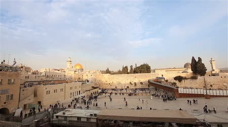 santo : Jerusalem, Western Wall and Dome of the Rock, Israel flag, general plan, Timelapse Stock Footage