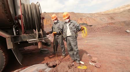 яма : A special machine for mining in the quarry, Iron Ore Mining
