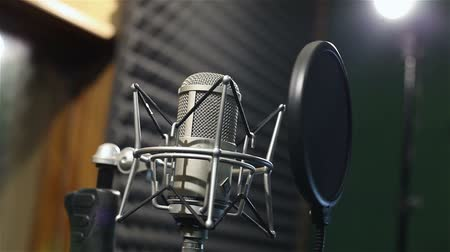 mikrofon : Studio recording, professional microphone in the recording studio, close up