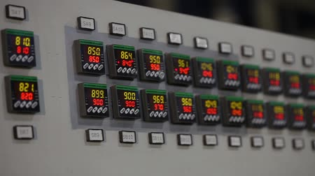 wiertarka : control panel in the factory, control buttons. modern plant, man buys buttons, close-up, interior, indoors Wideo