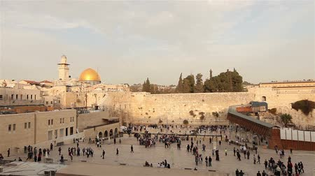 hacı : Israel, Jerusalem western wall. The Western Wall, Wailing Wall, Jewish shrine, old city of Jerusalem, Orthodox Jews pray, religion, zoom, panorama