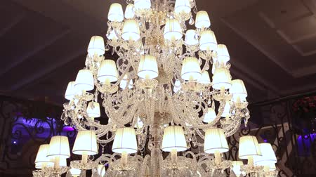vadász : A hotel chandelier
