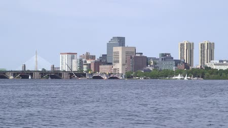 verlichting : De Boston Skyline gezien over de Charles River Stockvideo
