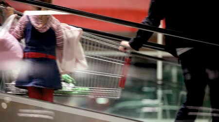 family life : shopping Stock Footage